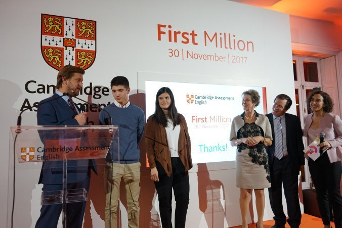 Primer Millón de Exámenes First en España